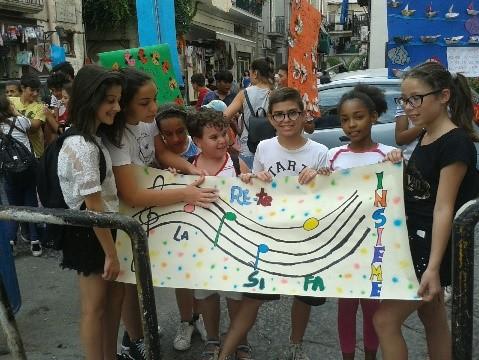 """""""La Rete si fa insieme!"""" Le attività educative: dal campo estivo al Carnevale. Rione Sanità A.D.M. 17/18"""