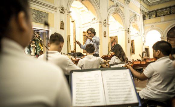 L'Orchestra Sanitansamble Junior in occasione dell'inaugurazione dei restauri della Basilica di San Severo fuori le mura al Rione Sanità