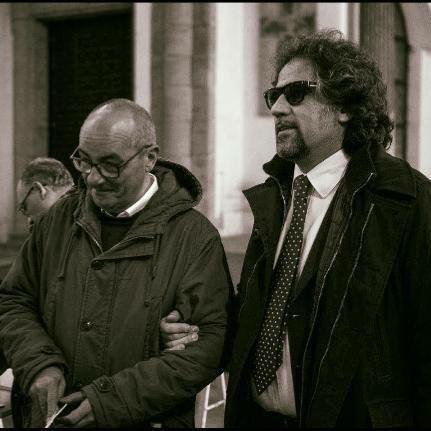 L'orchestra Sanitansamble con don Antonio Loffredo